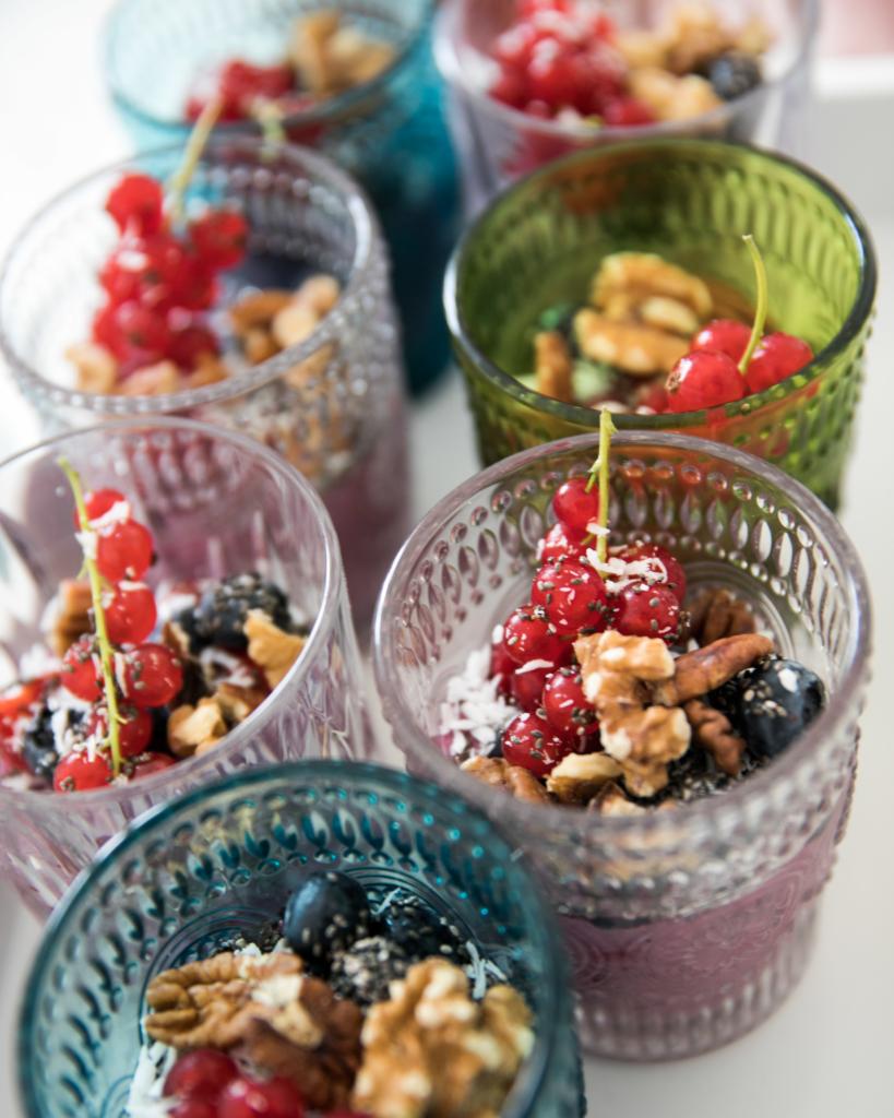Healthy Dessert, nachtisch selber machen, gesundes dessert rezepte, acai bowl selber machen, kandierte nüssen