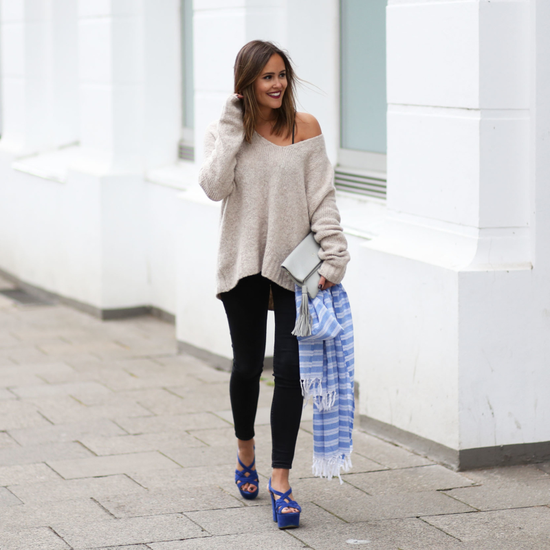 HAMBURG STREETSTYLE – CASUAL IN BLACK BEIGE AND BLUE