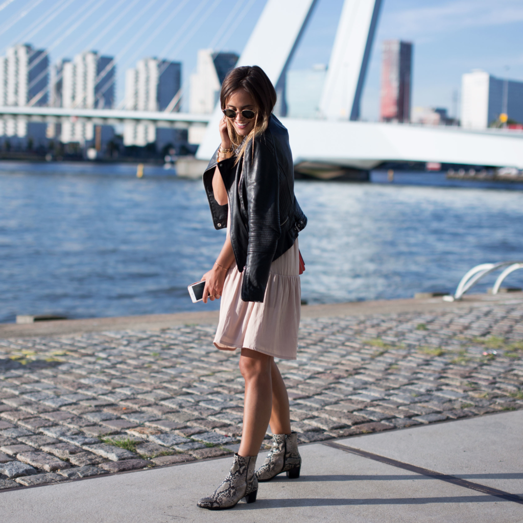 Boots: Ecco, Bag: Fendi, Sunglasses: Ray Ban, Dress: American Vintage, Jacket: Zara