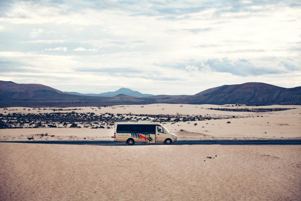 Bus in Wüste