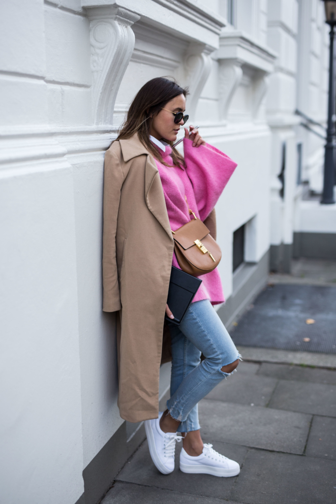 Shoes: No Name, Coat: Missguided, Bag: Chloé, Sunglasses: Kapten&Son, Pink Knit: H&M Trend, Jeans: Zara, - MateBook: HUAWEI