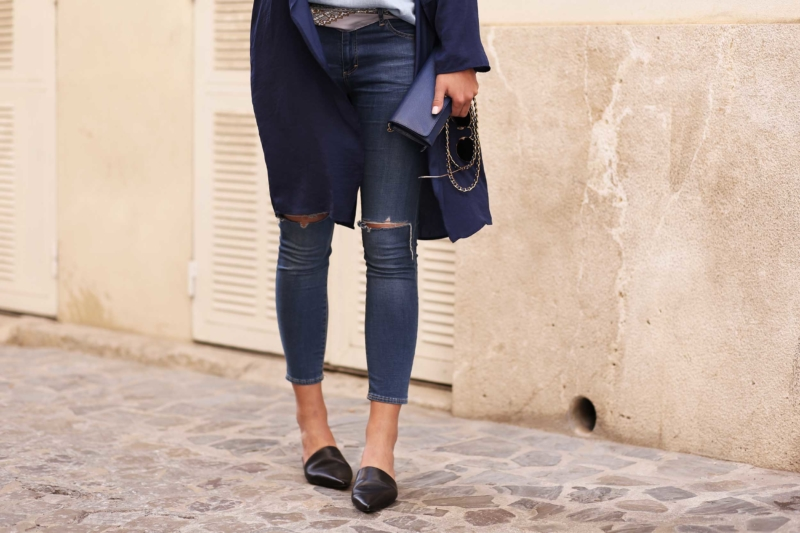 ripped jeans mit mantel