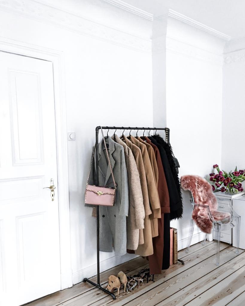 Dekoration - Kleiderstange, Tulpe, Schuhe
