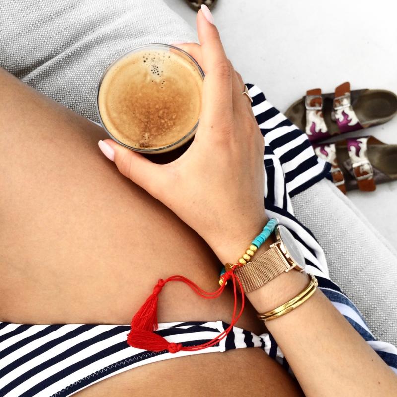 bikini und kaffee