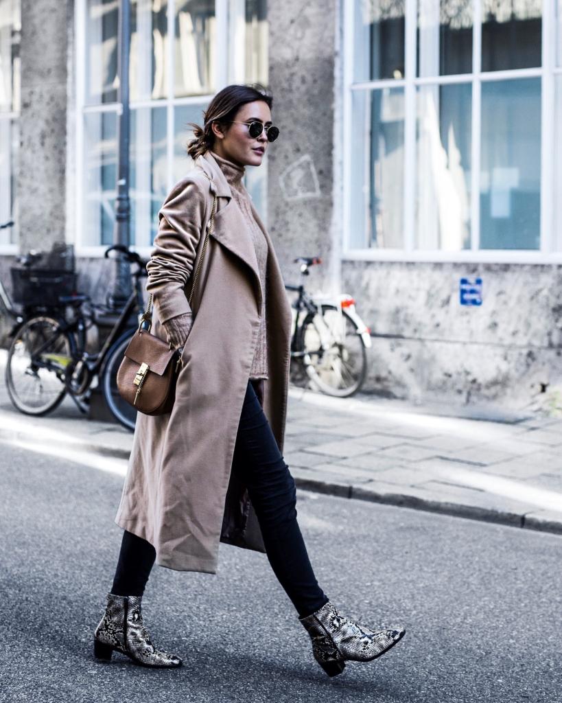 Streetstyle - Sonnenbrille, Mantel, Tasche, Jeans, Schuhe