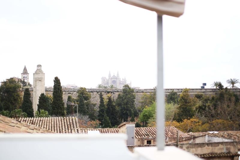 Palma de Mallorca Holidu, Holidu Buchung, Holidu Ferienwohnung, Holidu.de Palma de Mallorca, weiße Ferienwohnung in Palma, Holidu Erfahrungsbericht, Kathedrale Palam
