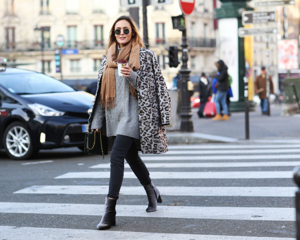 PARISIENNE WINTER LOOK – LEO COAT AND CHANEL BAG